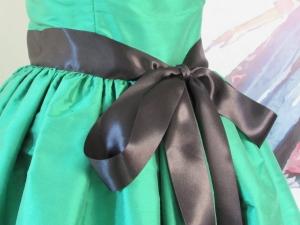 Vestido en seda salvaje verde manzana