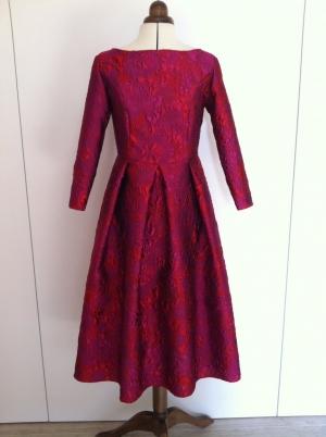 Vestido brocado rojo