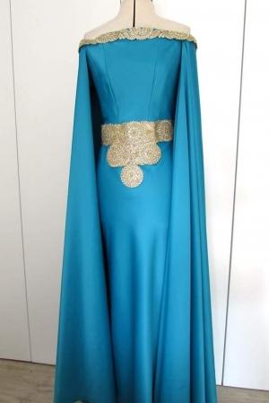Vestido invitada boda con capa