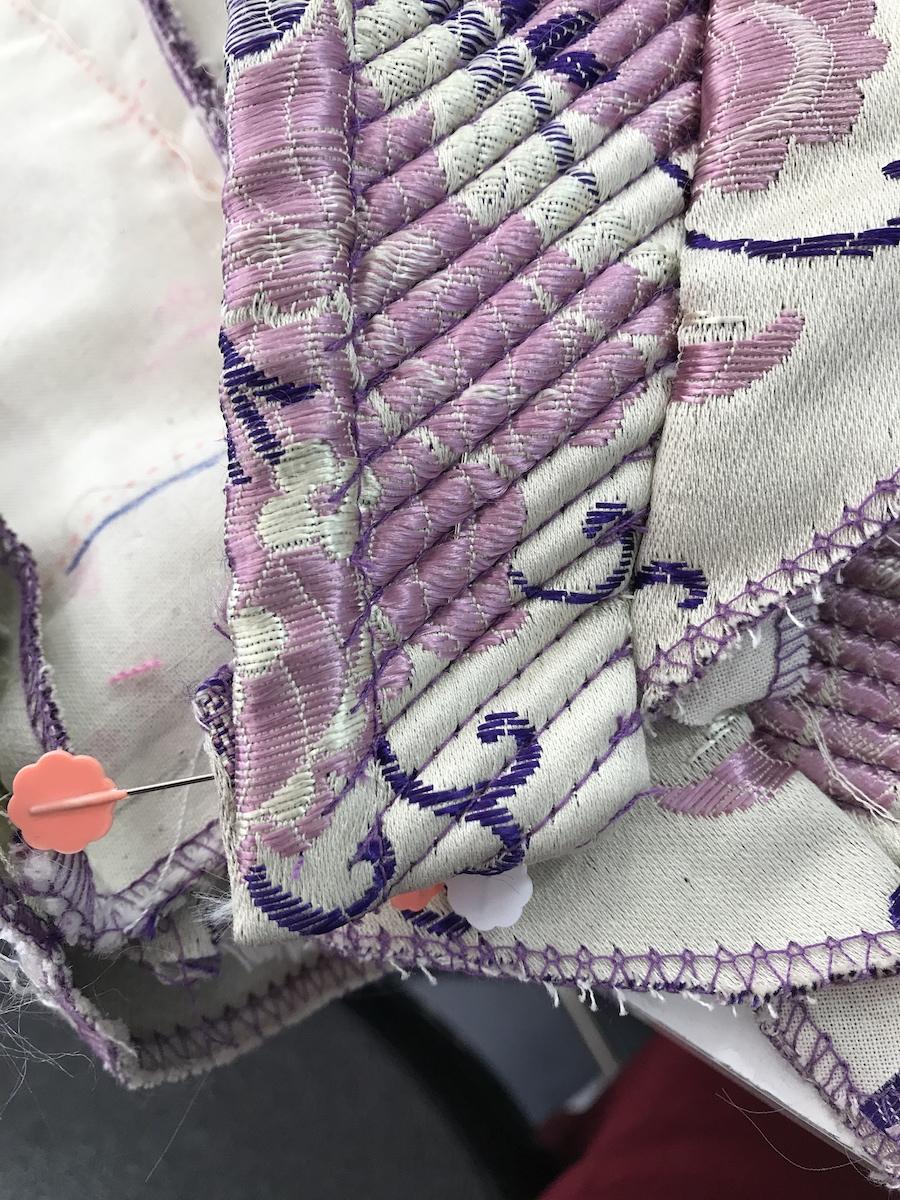 Paso a paso confeccionar traje de fallera corpi o parte 2 como anillo al dedal - Como coser cortinas paso a paso ...